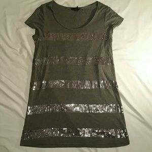 Woman's sequence stripped shirt